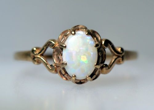 Estate Vintage Australian Opal Ring Yellow Gold Natural Oval Old Deco Not Scrap Opal Ring Vintage Jewelry Opal Jewelry