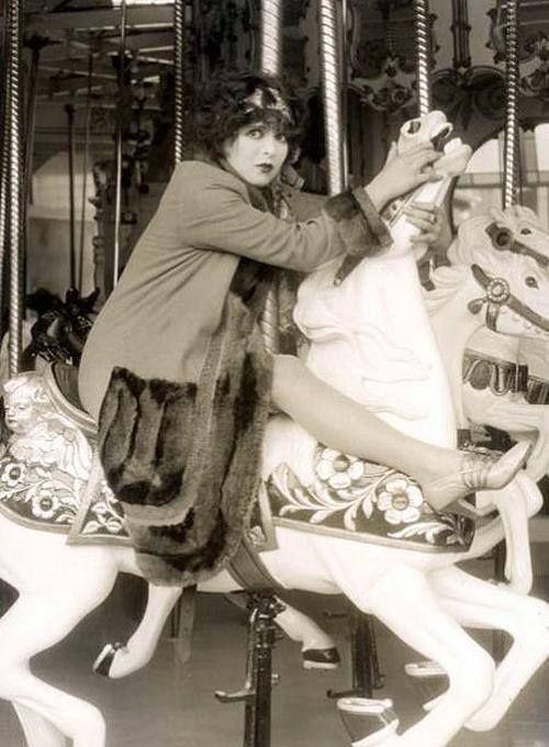 1927 Clara Bow--L'esprit swing's