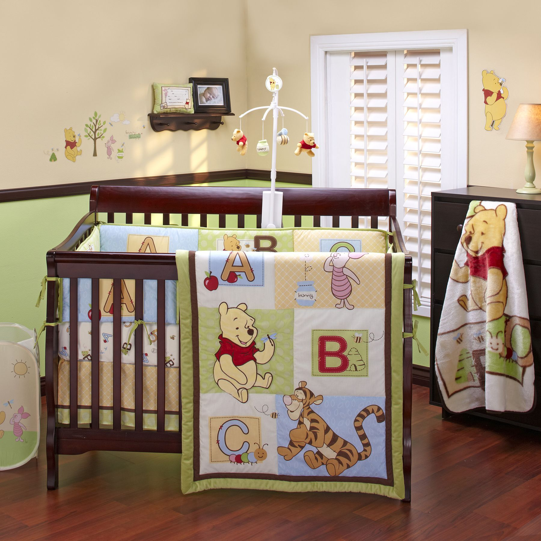 Winnie The Pooh Abc 11  Piece Crib Bedding Set With Crib Liner, Mobile U0026  Xtras