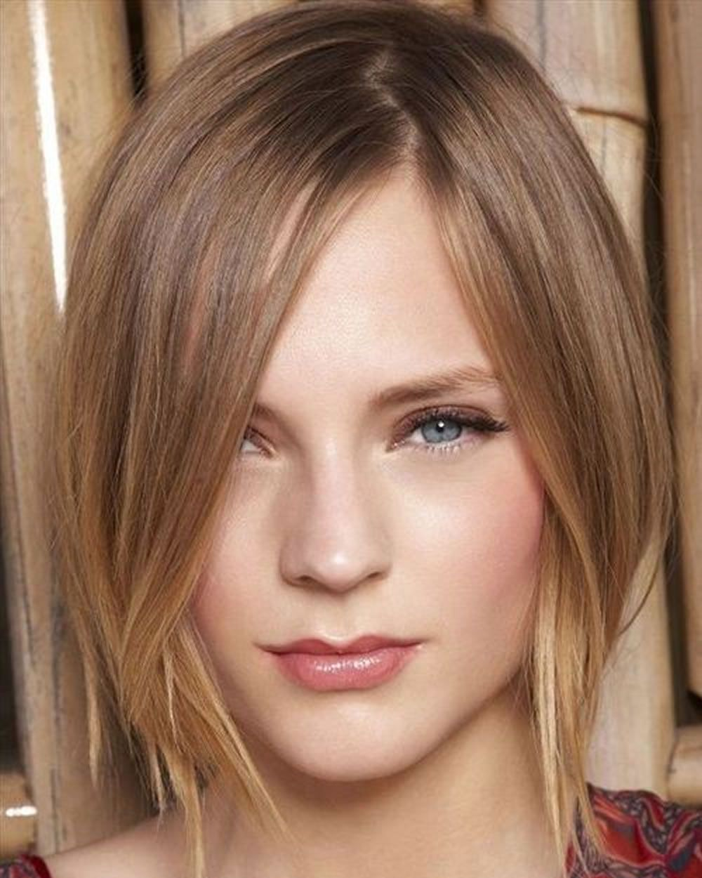 Chic Short Asymmetrical Haircut 2020 2021 Thin Hair Haircuts Hair Styles Hairstyles For Thin Hair