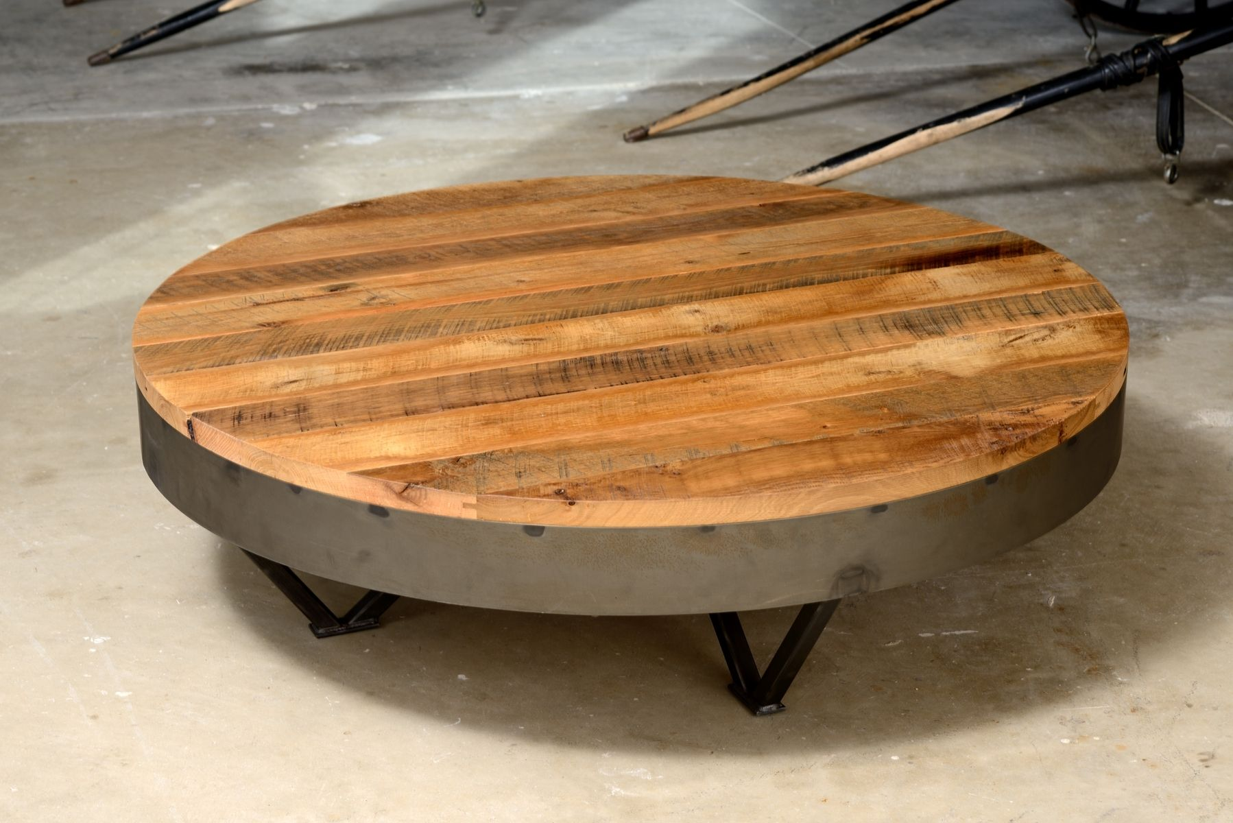 Reclaimed barn wood coffee table 36 round 48 round for Round wood and metal coffee table