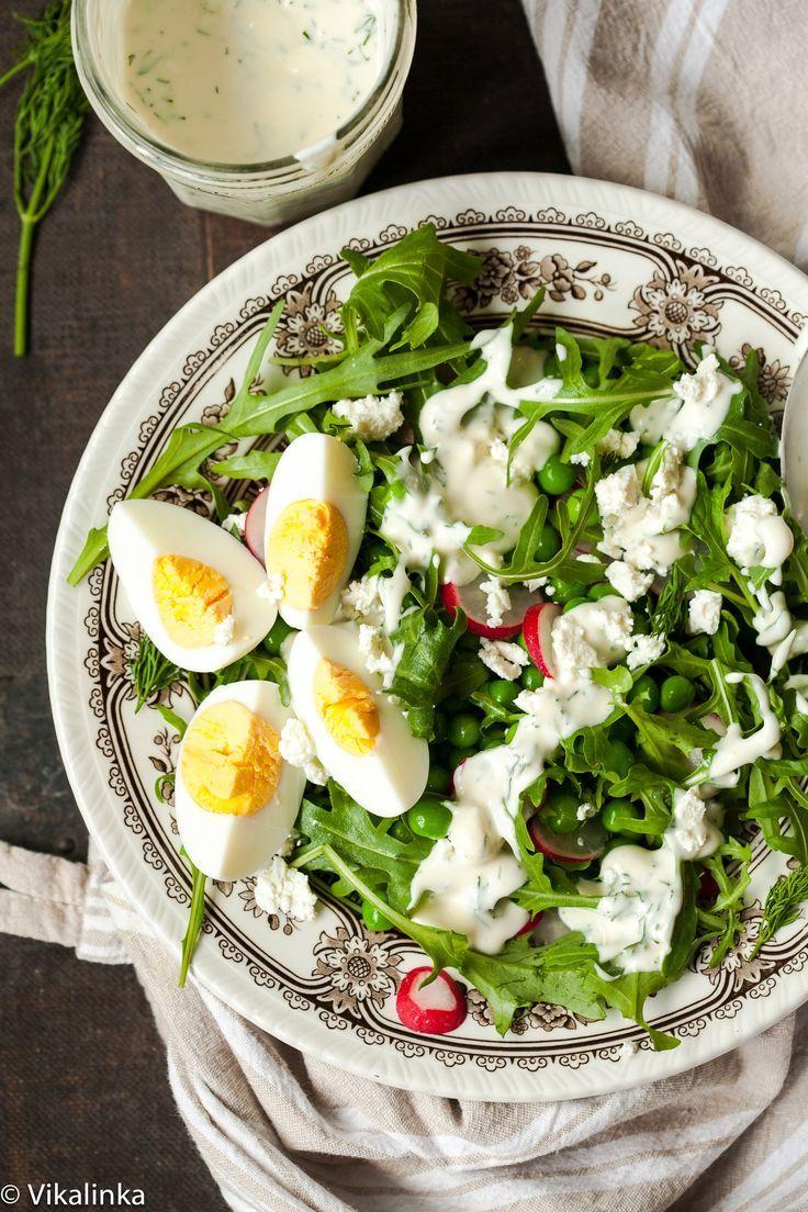 Spring Pea and Arugula Salad with Creamy Dill Dressing by vikalinka #Salad #Pea #Arugula #Dill #Healthy