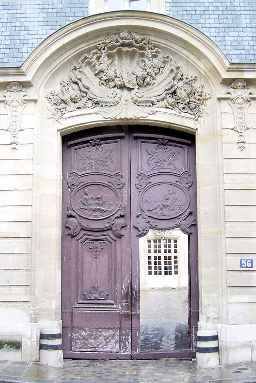 The most beautiful doorway in Paris on one of the most beautiful streets in Paris. l'hôtel de Goufier de Thoix was built between 1719 and 1727. The writers Louis Aragon and Elsa Triolet lived in an apartment here from 1960 until 1970 and 1982.