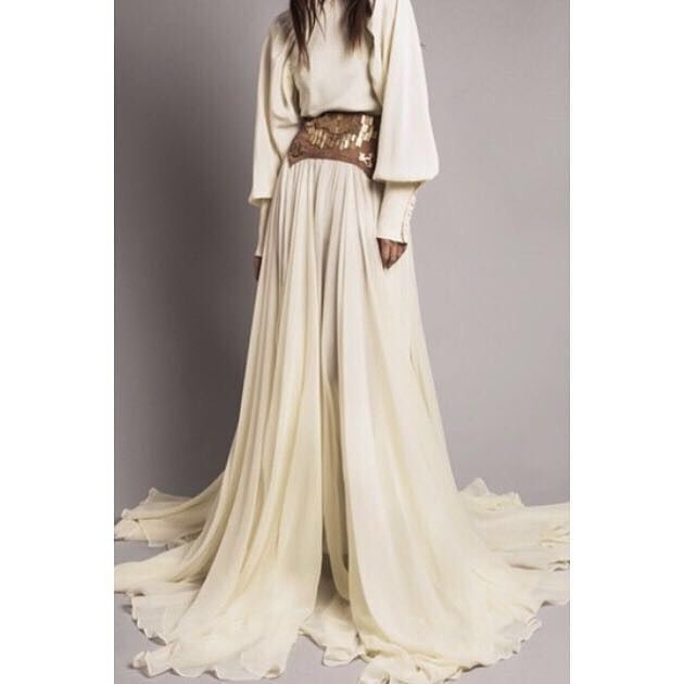 Cool wedding dress  #Blanche #katarinagrey #fashion #couture #white #love #gold #details #different #bride