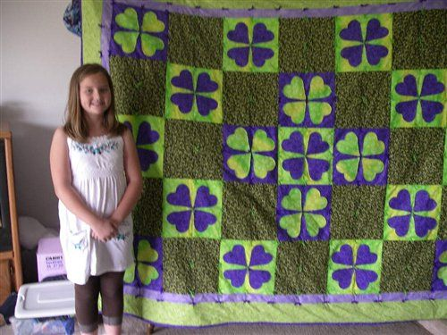 Hearts used to make four-leaf clover quilt. | Gift Ideas ... : clover quilting - Adamdwight.com