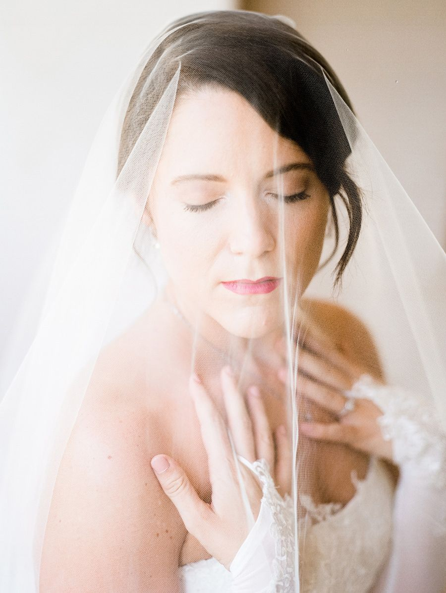 European Inspired Bridal Editorial in Phoenix, AZ | Laura | Phoenix, Arizona Fine Art Film Wedding P #bridalportraitposes