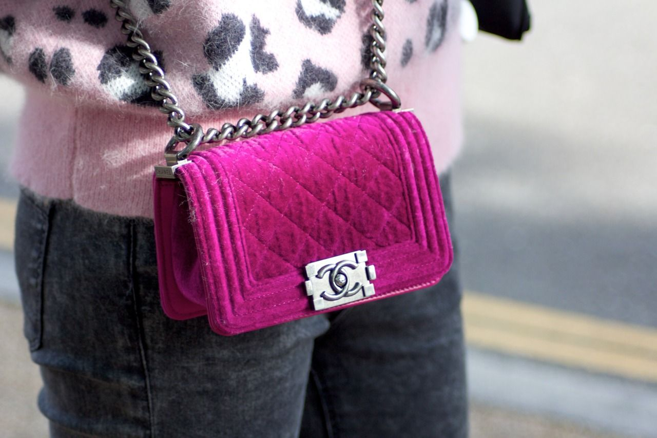 4378014a94de Boy Chanel quilted flap bag in velvet with chain and shoulder strap
