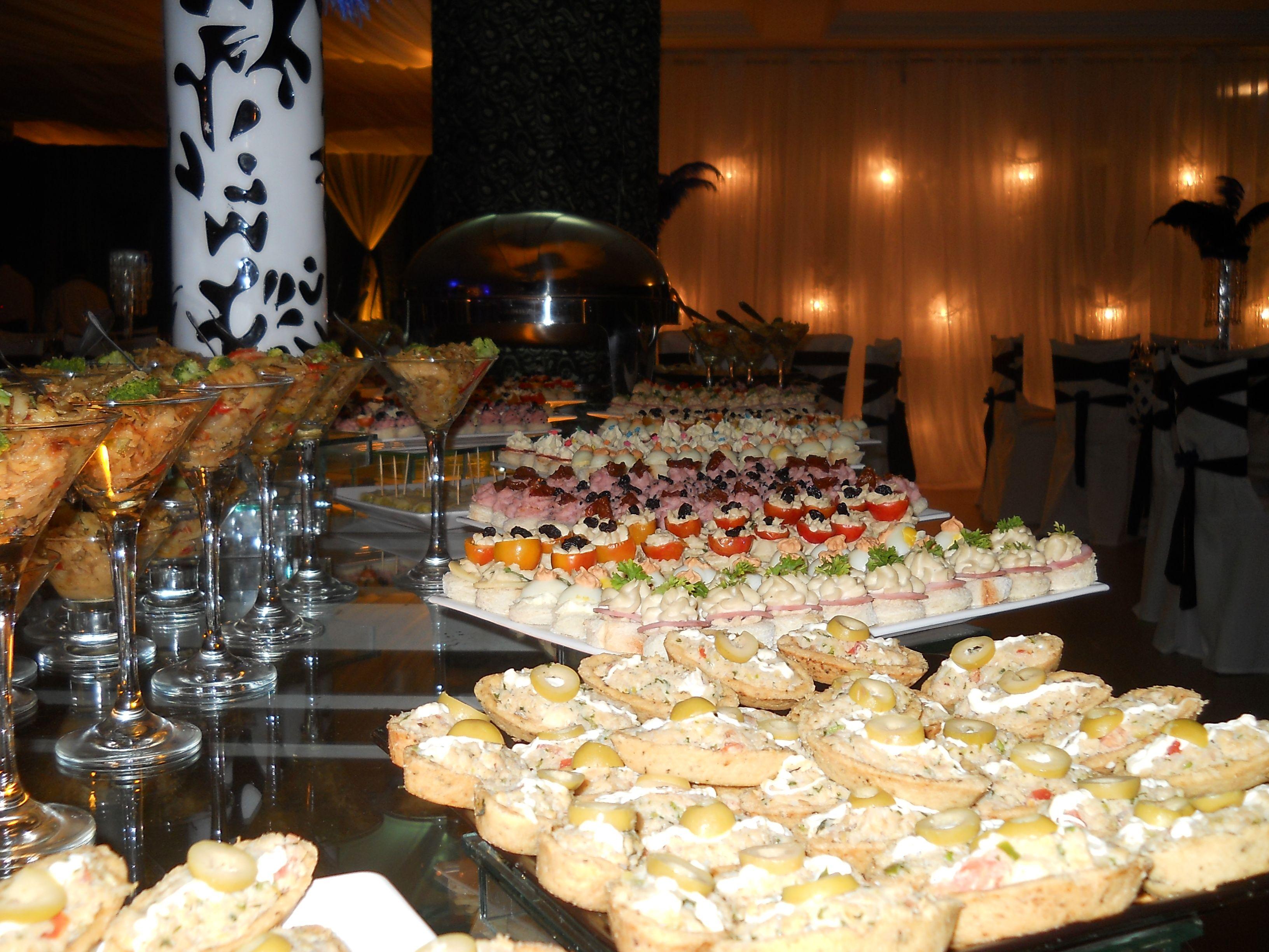 Realizamos eventos nos principais salões e buffets, tendo como marca indelével a garantia da execução do serviço, em todos os quesitos: pontualidade, qualidade dos equipamentos, acabamento, atendimento e nível técnico da equipe.