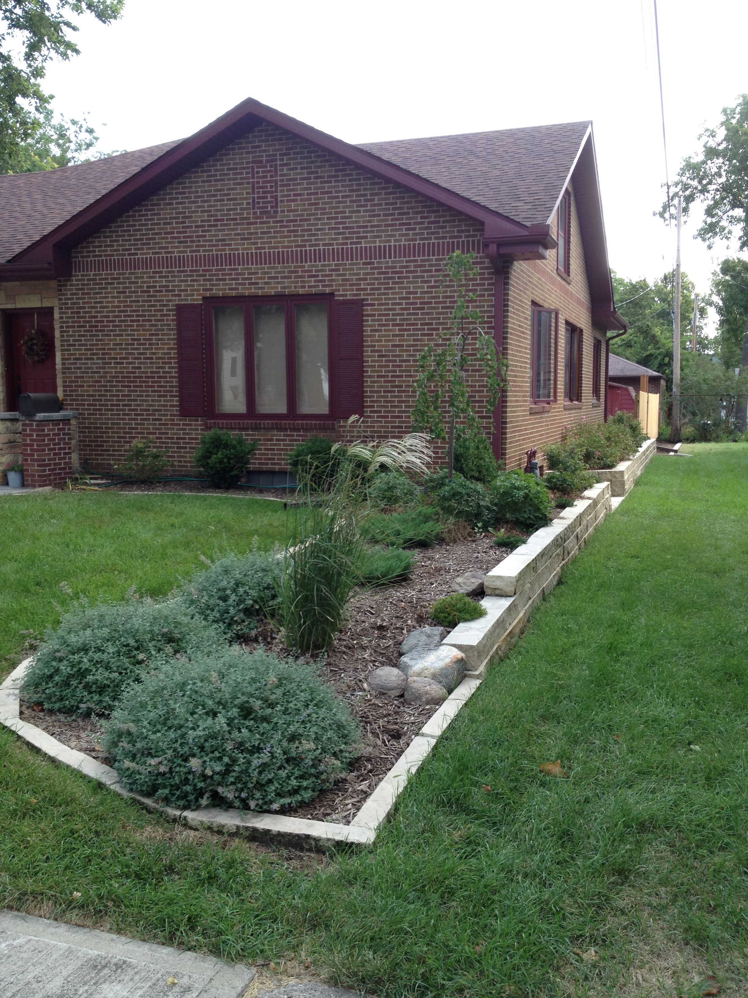 Friendly Property Line Border Planting Front Yard Landscaping Yard Landscaping Front Yard