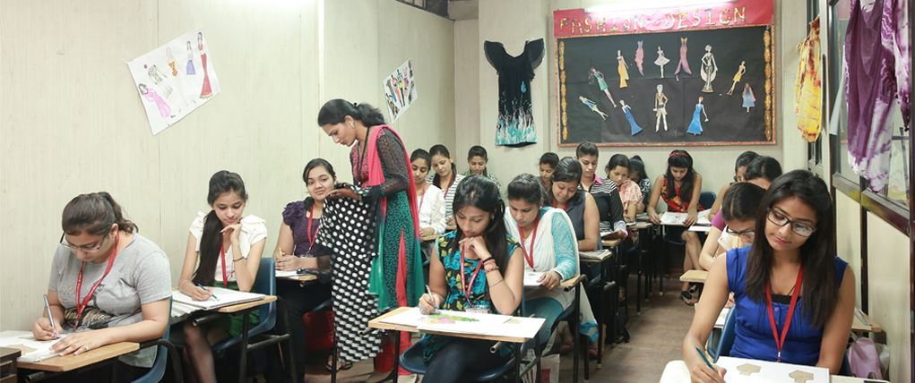 Get Best Fashion Designing Course In Delhi Ncr Fashion Designing Institute Fashion Designing Course Fashion Designing Colleges