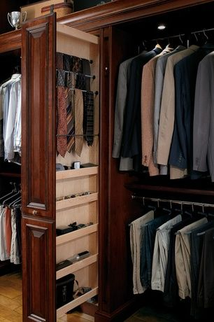Craftsman Closet With Built In Bookshelf Kraftmaid