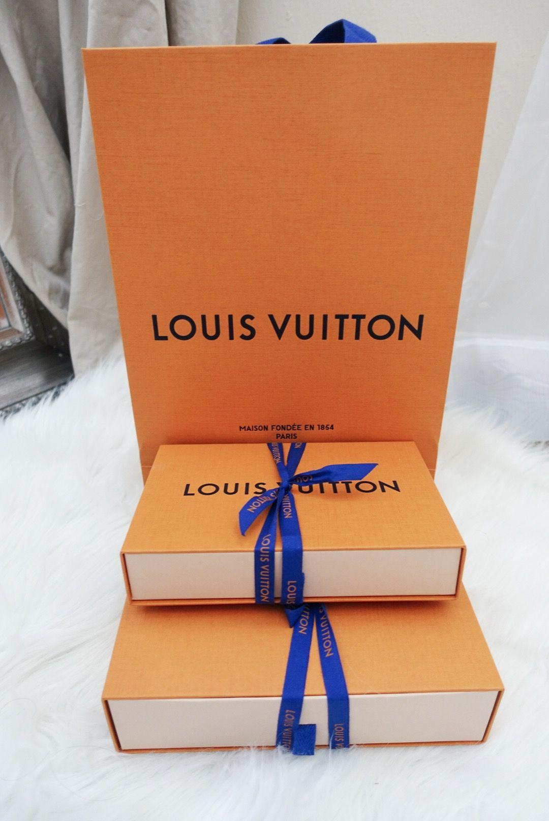 1d76dc846d5d Louis Vuitton Sarah Wallet Review + Unboxing