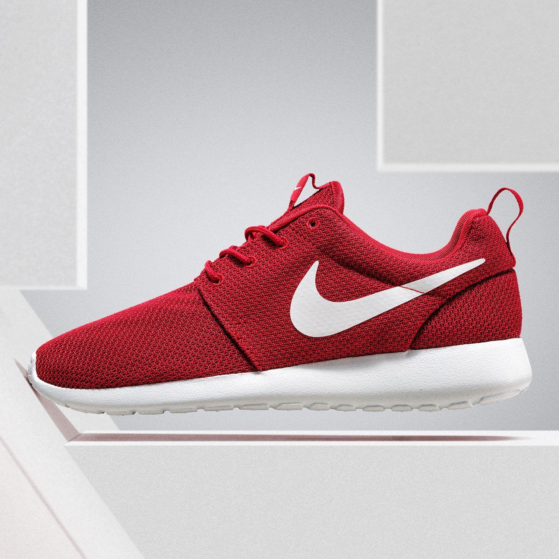 new style fe688 b30a1 Ein beliebter Sommer-Sneaker Nike Roshe One! Die weiche Sohle und das dünne  und leichte Obermaterial machen ihn perfekt für warme Sommertage.
