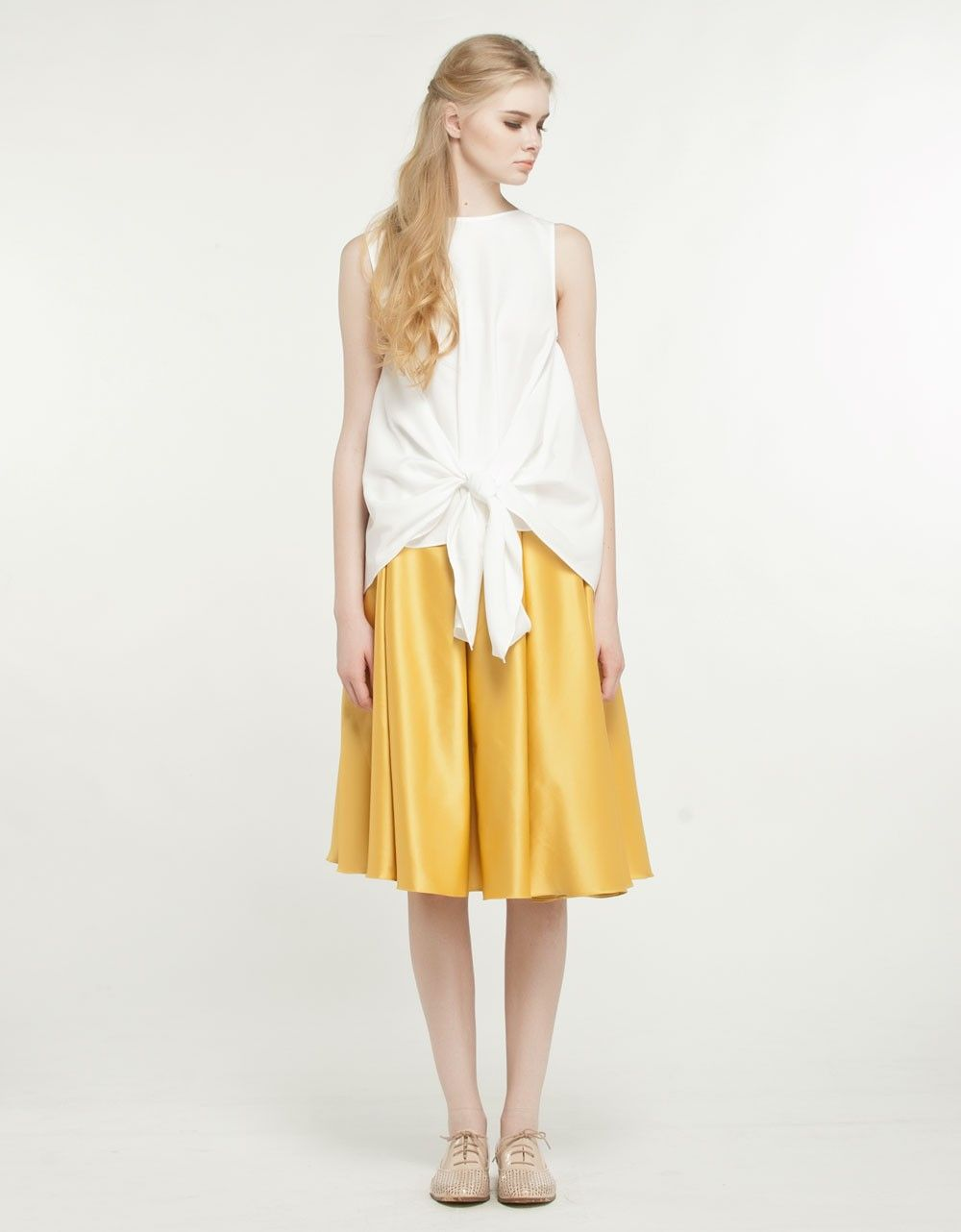 this outfit looks like a sunny side up.