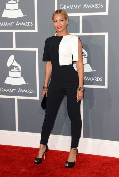 Beyonce dio un paso al frente y se destaco almáximocon este jumsuit de Osman