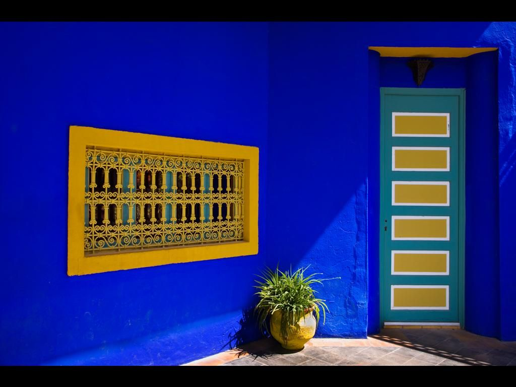 bleu majorelle thinking of painting accent walls in our apartment this color primavera ver o. Black Bedroom Furniture Sets. Home Design Ideas