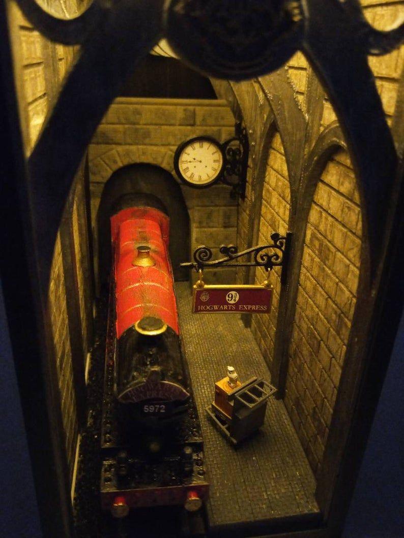 Book Nook Wharf 9 3 4 Hogwarts Express In 2020 Book Nooks Hogwarts Bookshelf Art