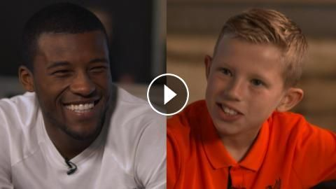 Gini Wijnaldum sings 'Three Little Birds' for Kop Kids: Gini Wijnaldum shows off his vocal talents in our latest Kop Kids interview,…