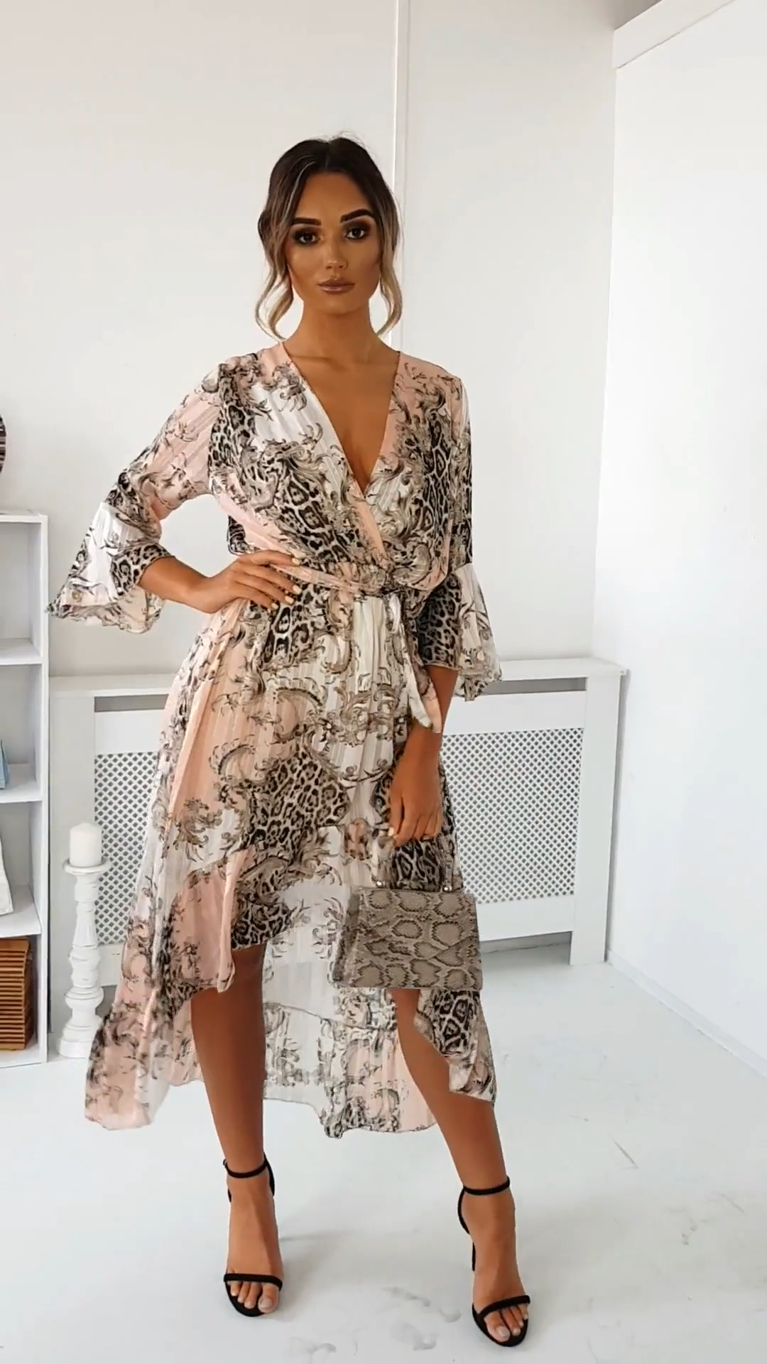 Printed Floaty Maxi Dress In Lht Pink Summer Dresses Dress Floaty Lht Maxi Pink Printed In 2020 Maxi Dress Floaty Maxi Dress Summer Dresses