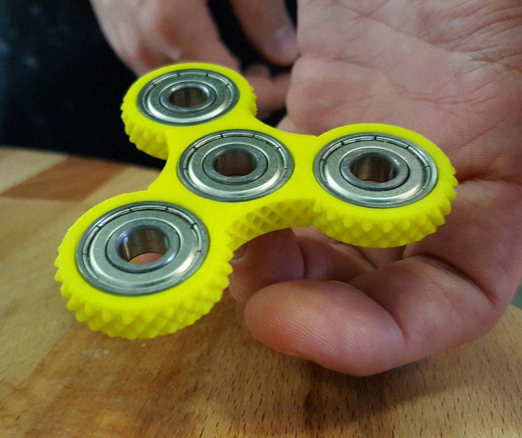 Knurled Tri Spinner Edc Fidget Widget Triple Bearing