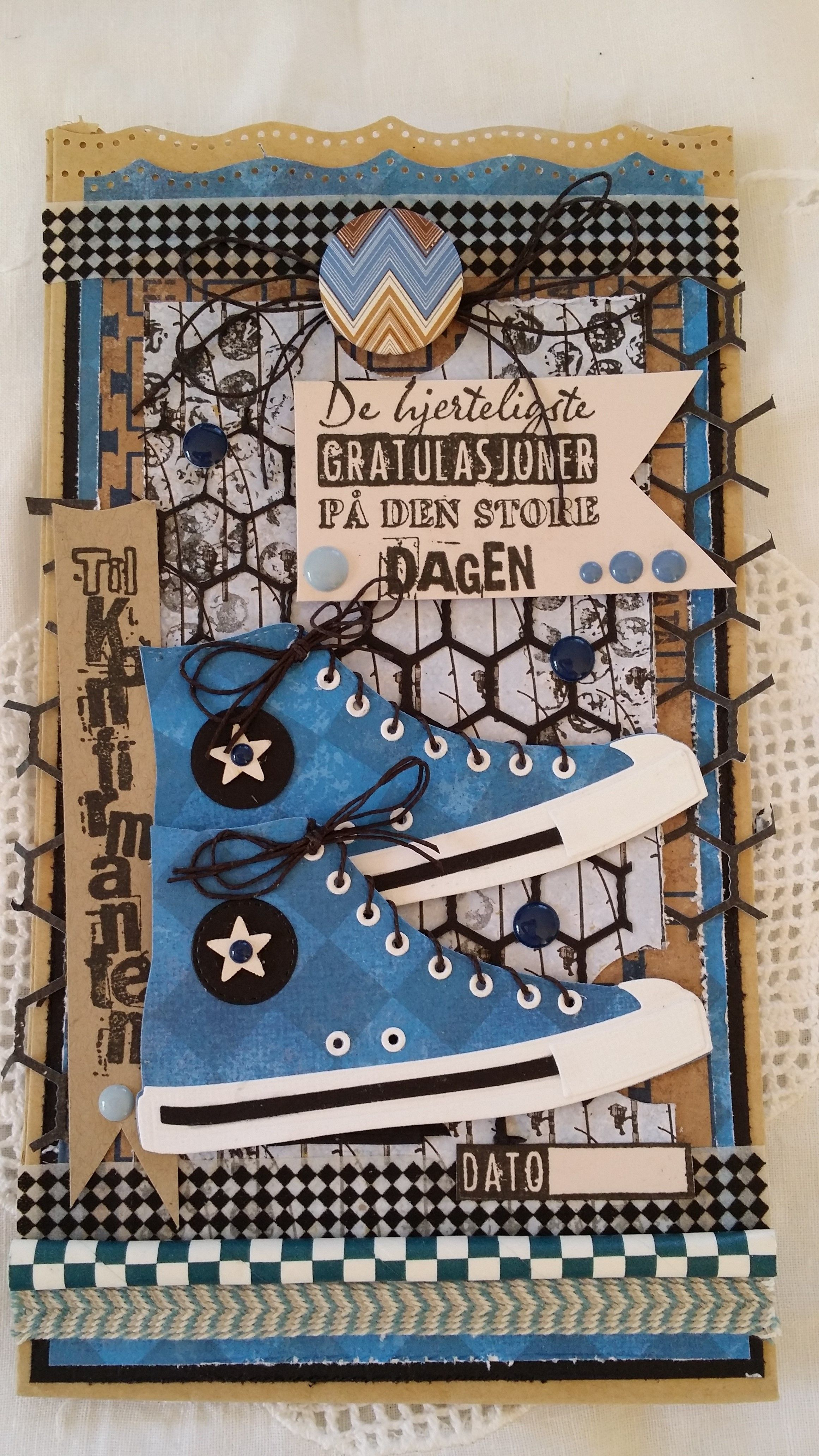 Sko laget med converse-dies fra @mftstamps og herlige mønsterark etc fra Papirdesign