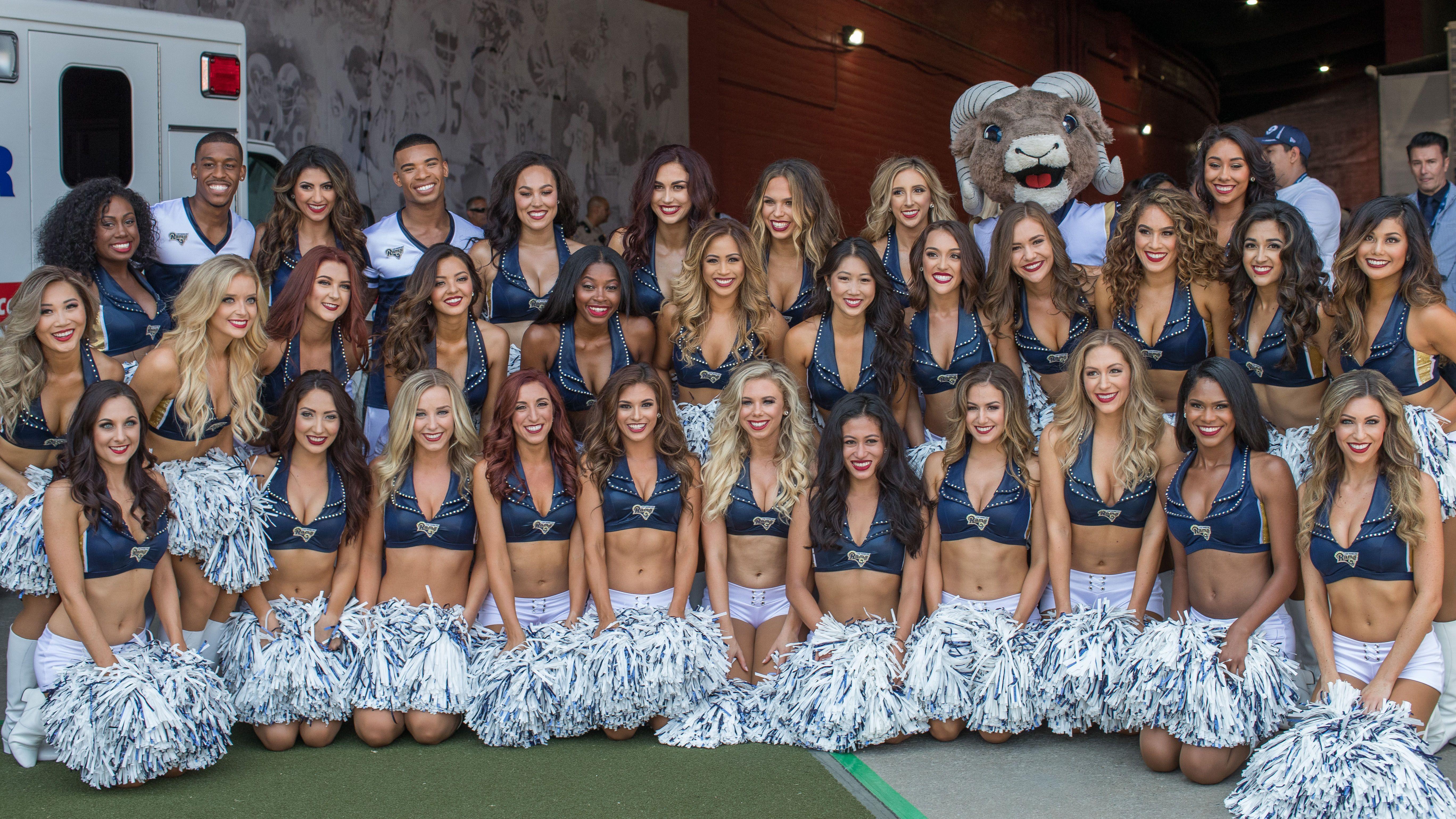 Los Angeles Rams 2018 Cheerleading Squad Therams Com 01 19 Cheerleading Cheerleading Squad Los Angeles Rams
