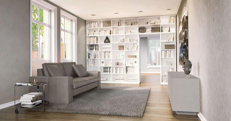 Sideboard Hinter Sofa bücherregal nach maß in weiß das über den türrahmen bis zur decke