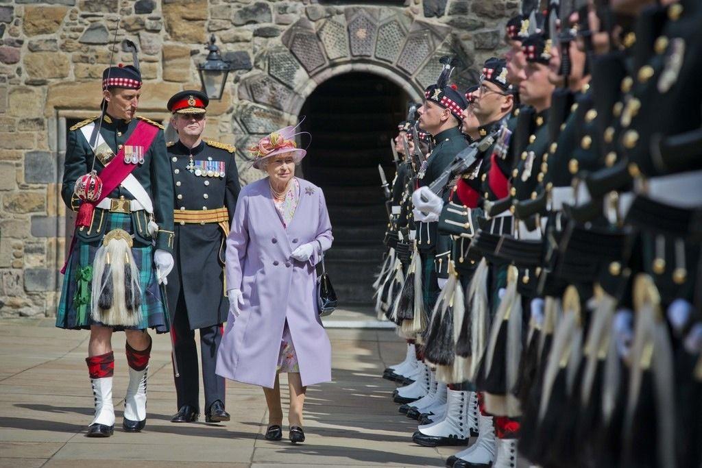 thebritishnobility:  Queen Elizabeth attended commemoration services at the Scottish National War Memorial, Edinburgh, Scotland, July 3, 2014