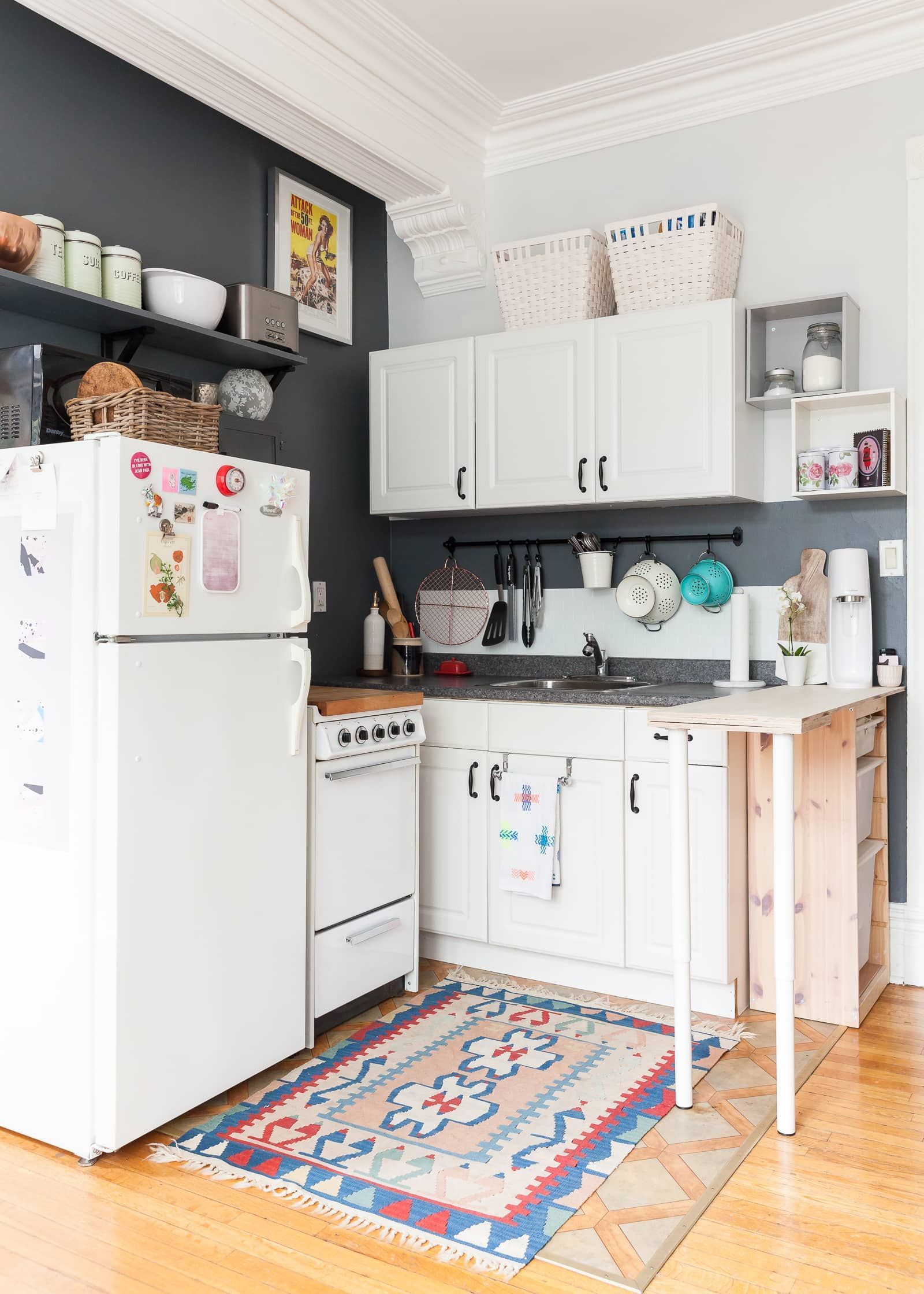 9 Simple Small Kitchen Ideas to Maximize Space [Trick & Tips ...