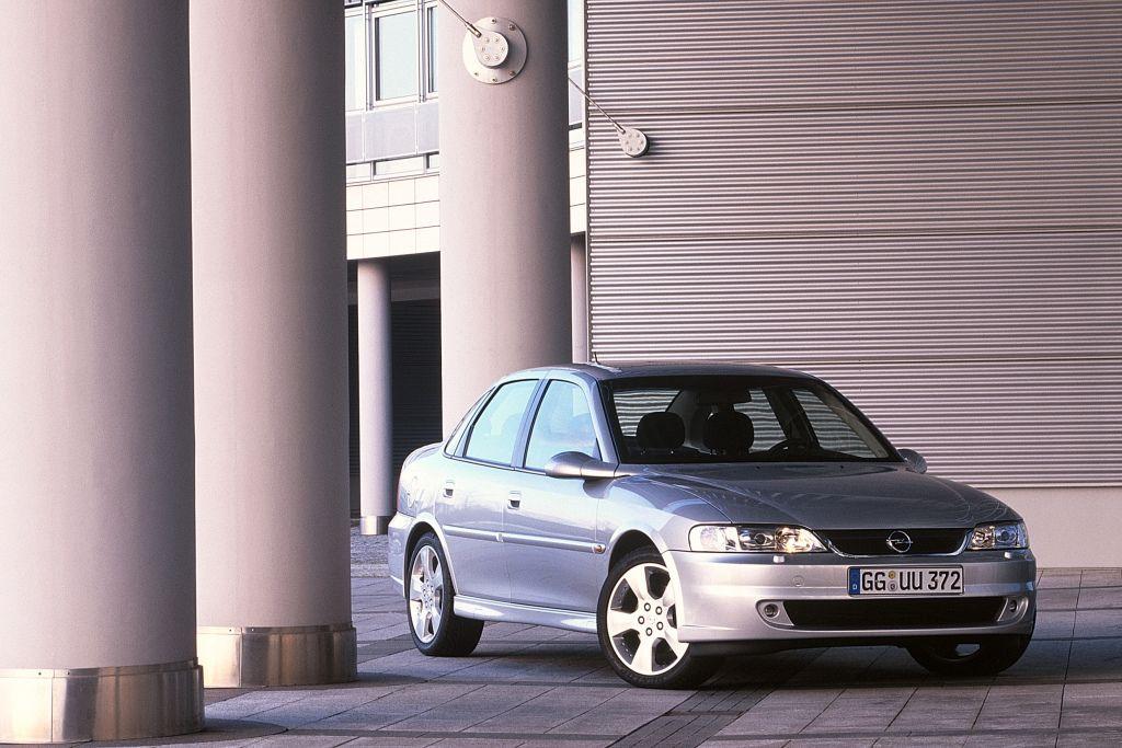 Opel Vectra Sport Sedan B 2001 02
