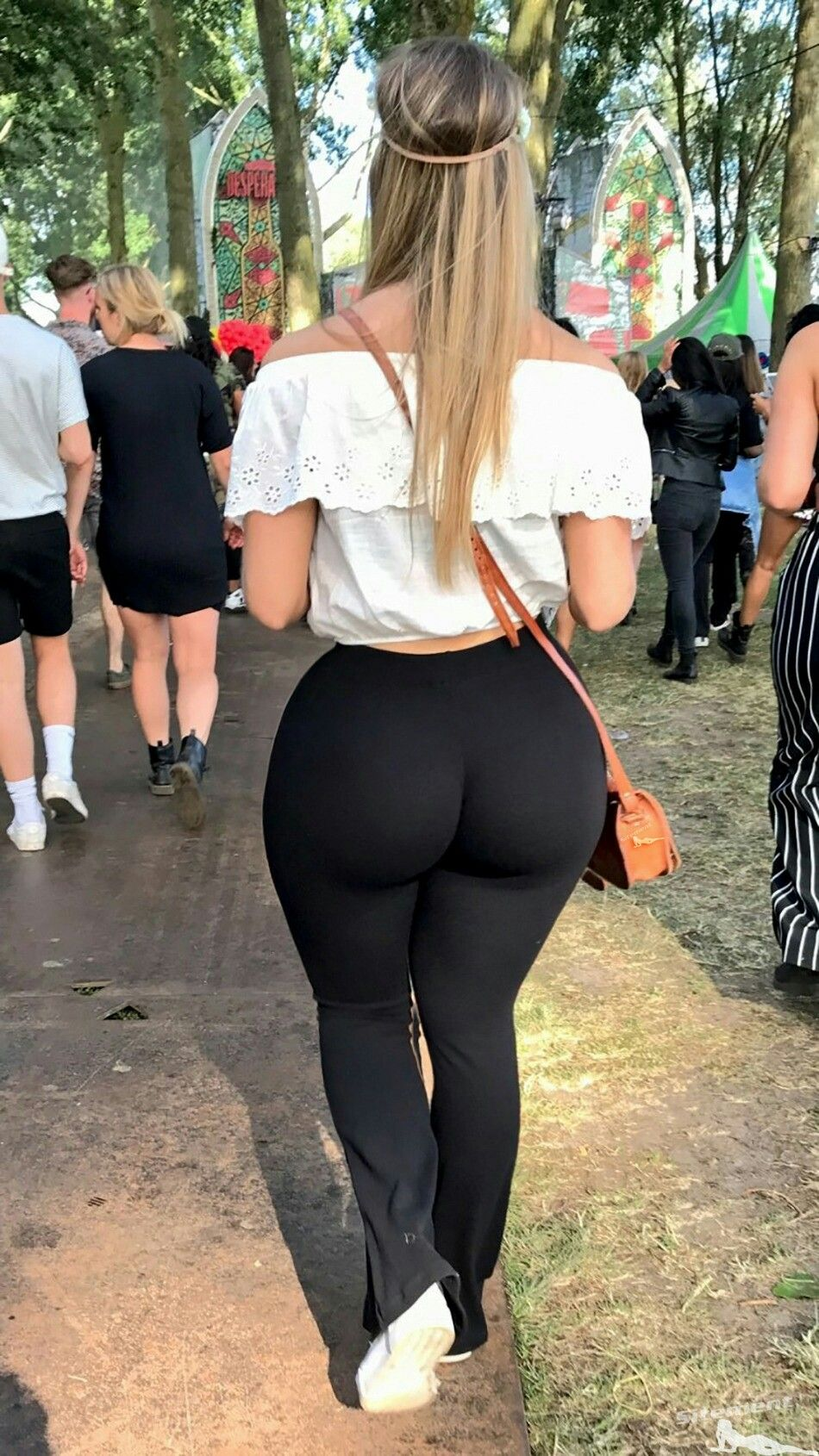 Big Ass White Girl Riding