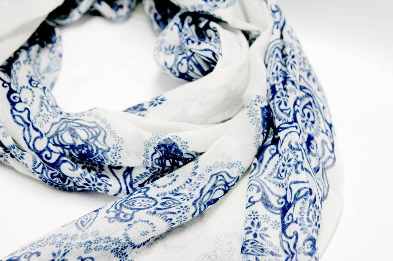 This linen scarf is beautiful! It'll make any outfit standout! Happy Yam - Blue Porcelain Pattern Linen Scarf, $18.98 (http://www.happyyam.com/blue-porcelain-pattern-linen-scarf/) #linen #scarf #porcelain #scarves #blue #pattern #happy #happyyam #pretty #beautiful #paisley