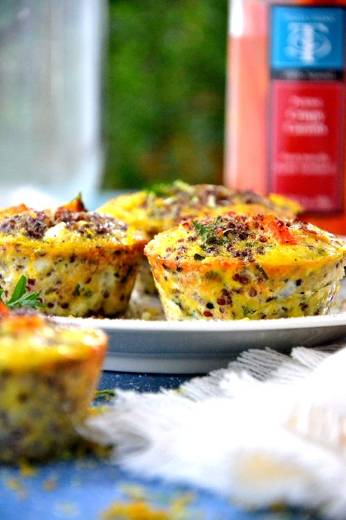 Low-Carb-Breakfast-Egg-Muffins / uses chia seeds (if don't have chia seeds, can use flaxseed instead) and tomatoes can be replaced with red (bell) peppers
