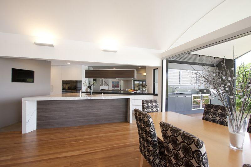 Polytec melamine cafe oak matt modern kitchen design for Melamine kitchen designs