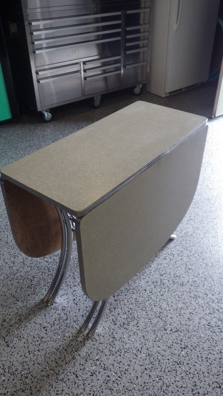 Vintage Lloyd Retro Gray Cracked Ice Formica Chrome Drop