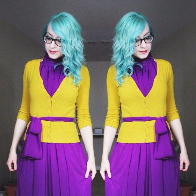 Sara Harvey - 4theloveoftoys -  Pretty excited about mermaid hair.   #haircolor #tealhair #bluehair #mermaid #style