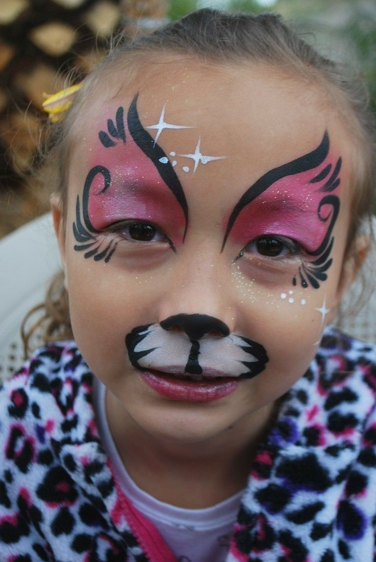 Pin By Katie Rose On Half Face Paint Face Painting Halloween Face Painting Christmas Face Painting