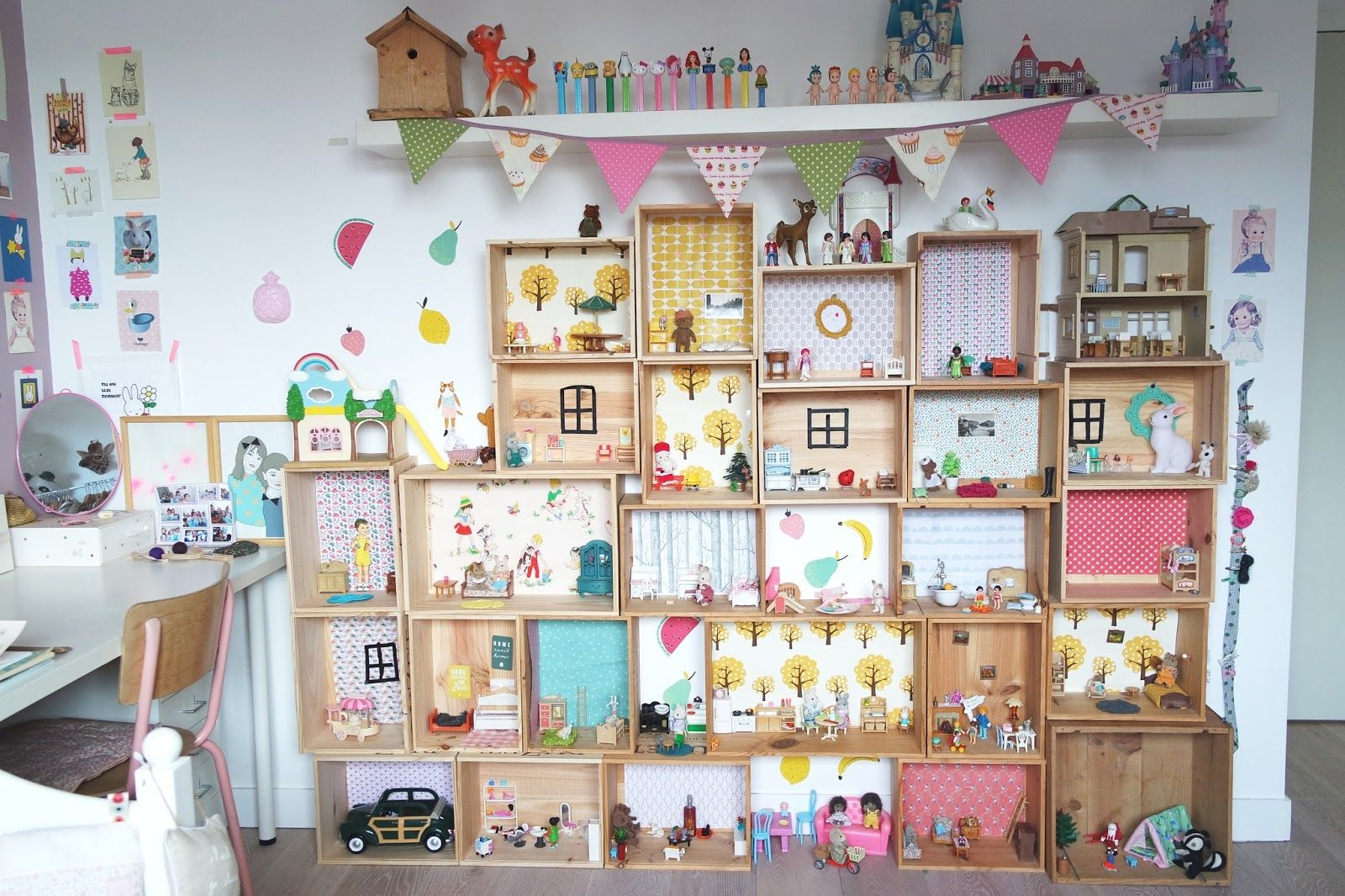 Les maisons ! ou le DIY (archi) simplifié ! | Family storage, Sylvanian families, Kids room