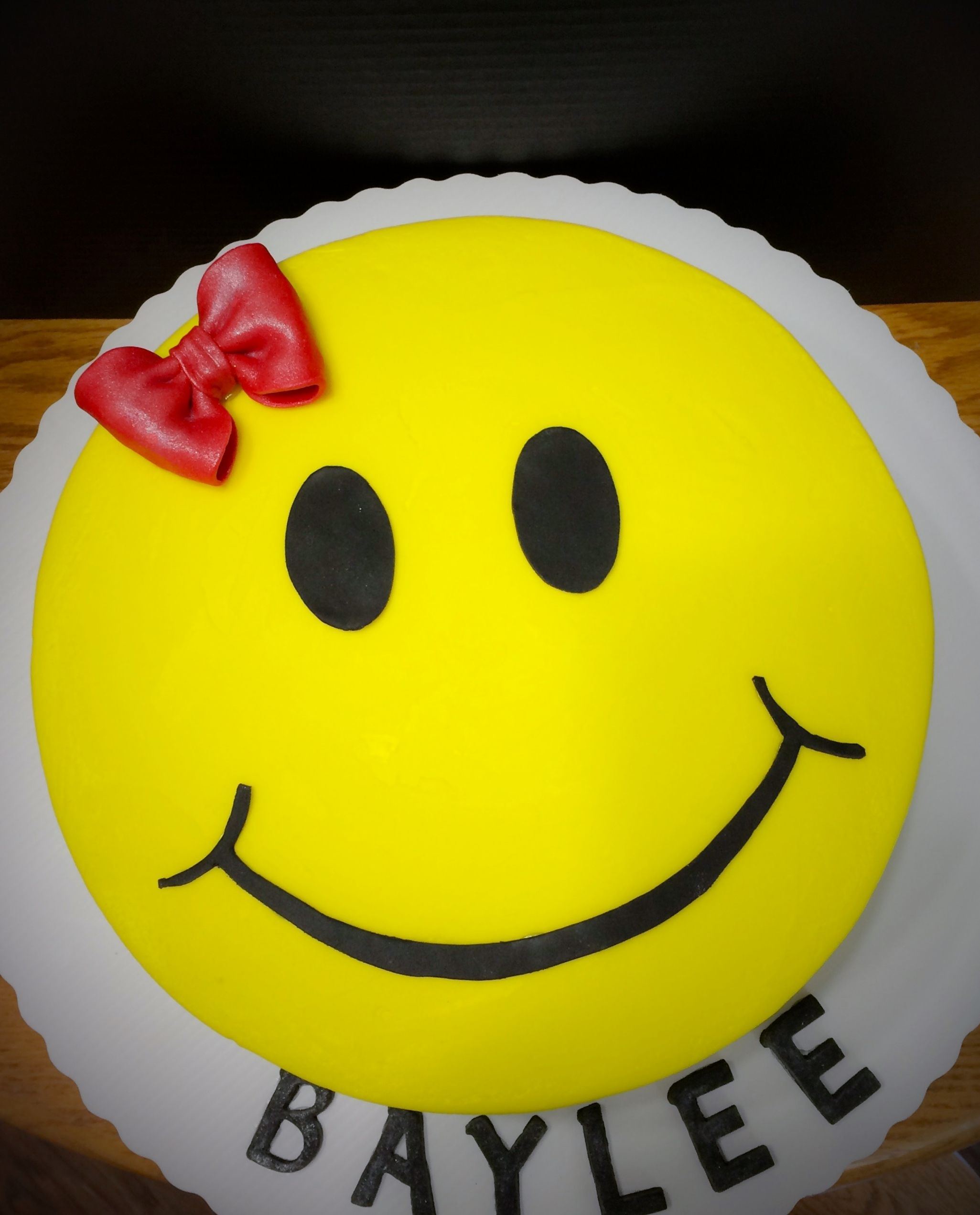 Smiley Face Birthday Cake With Images Birthday Cake With Photo