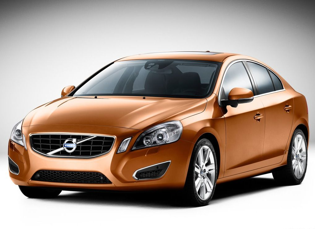 Volvo Q4 >> Volvo S60 Kinetic The Most Expensive Car In India Http Www