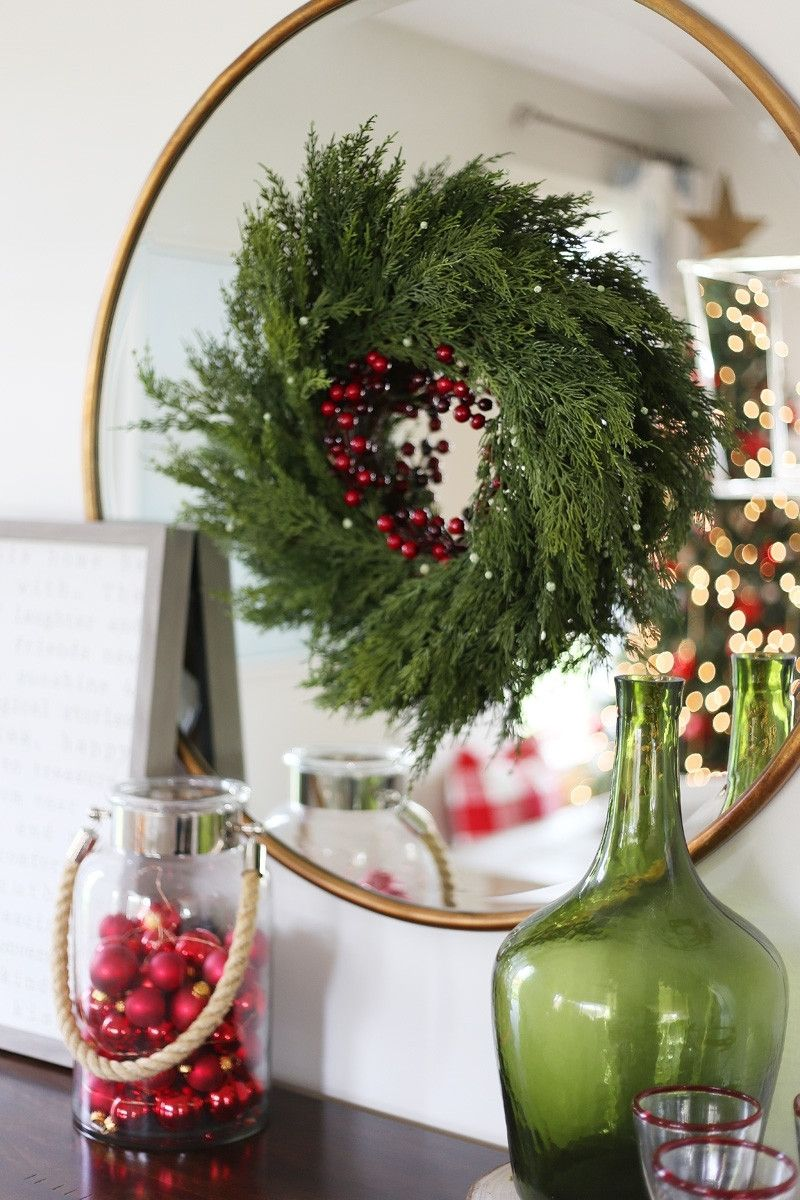 10 Holiday Dining Room Decor Ideas Christmas Mirror Christmas Dining Room Holiday Dining Room Decor