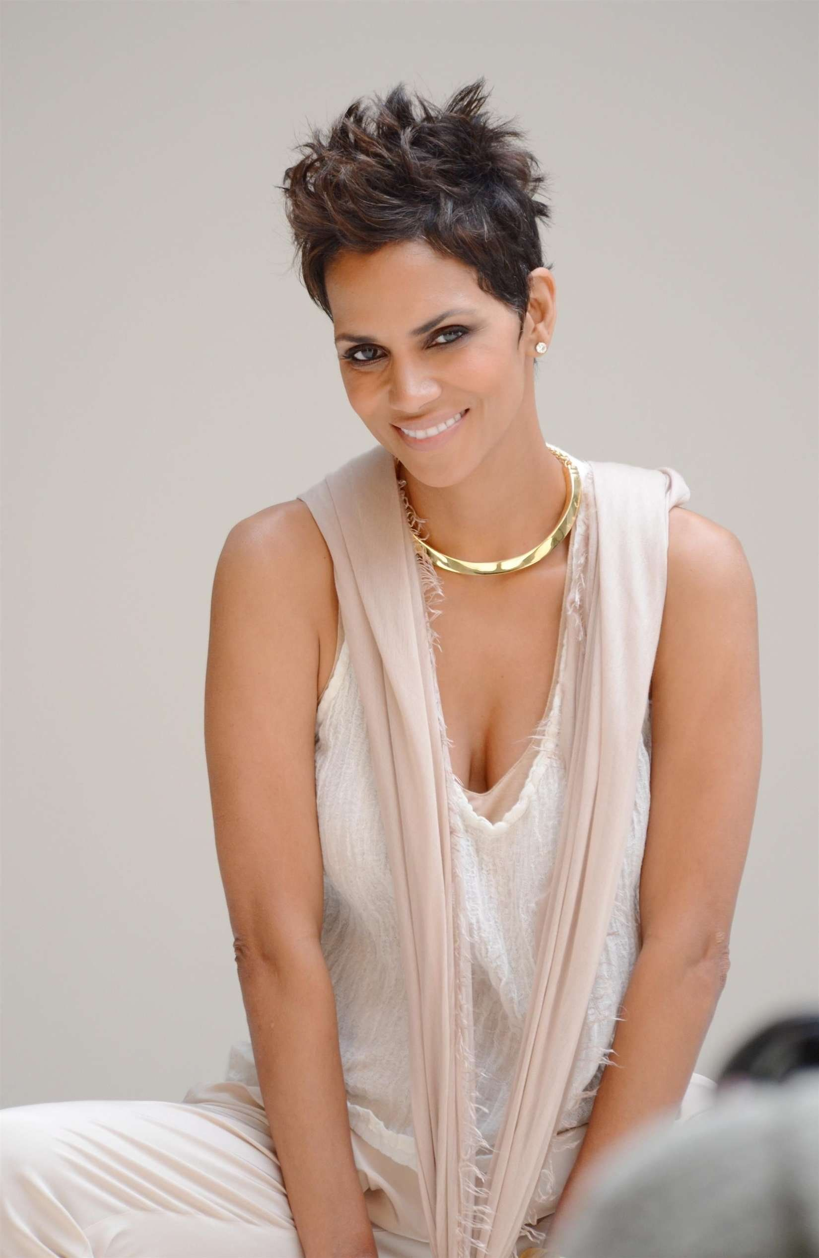 Halle berry coupe courte 8 pinterest - Coupe courte halle berry ...