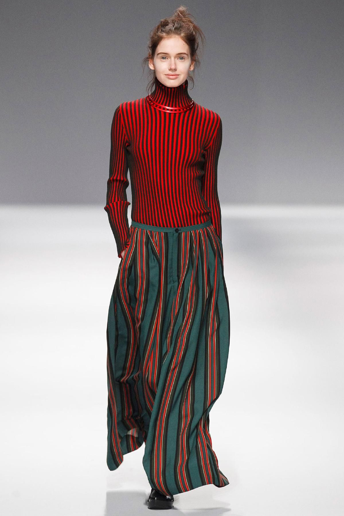 Issey Miyake Fall 2013 RTW Collection - Fashion on TheCut