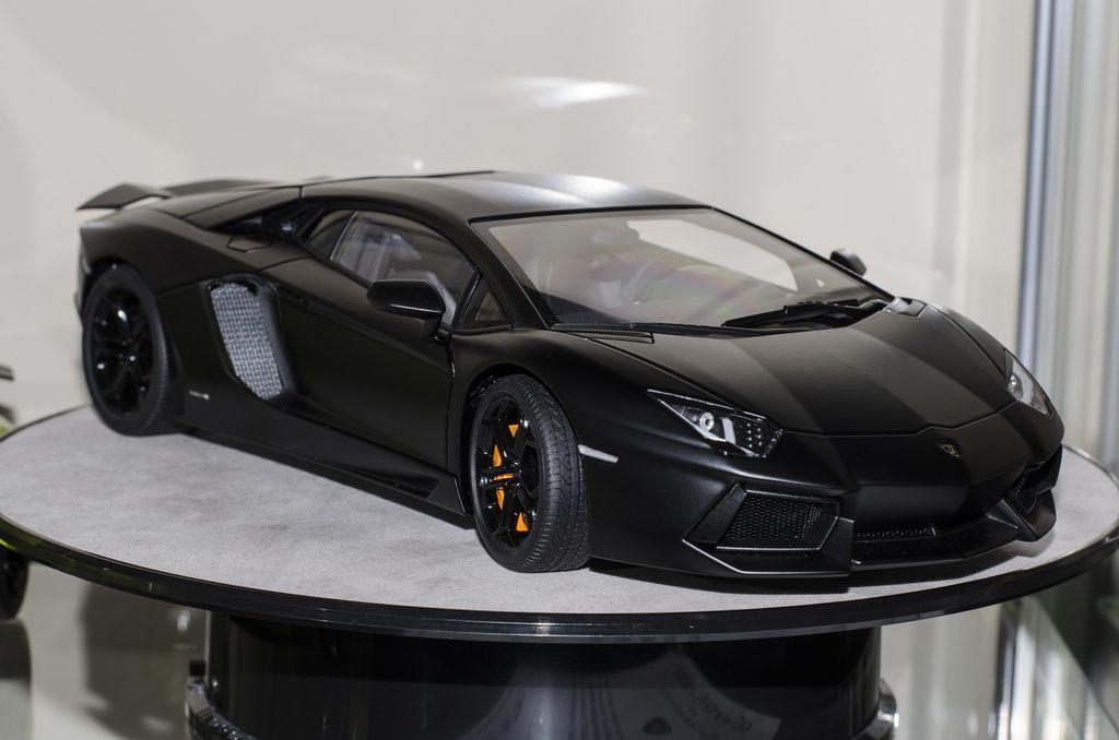 AUTOart Lamborghini Aventador Registry   AUTOart | UT Models    DiecastXchange.com