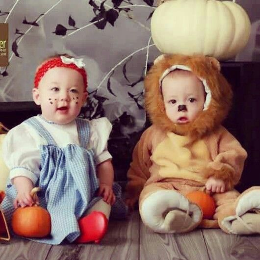 boygirl twin halloween costumes dorothy and the cowardly lion
