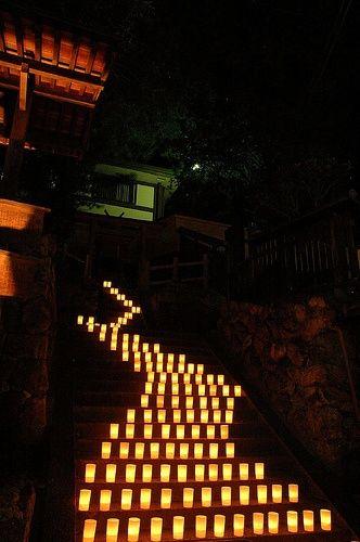 camino de velas, escaleras