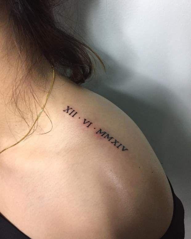 Tatouages Le Top 25 Des Motifs Les Plus Tendance En 2020 Tatouage Chiffres Tatouage Tatouage Date Chiffre Romain