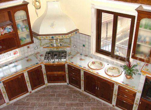 Cucina In Muratura Con Piano Cottura Ad Angolo.Cucina In Muratura Rivestita Ceramica Cucina Muratura
