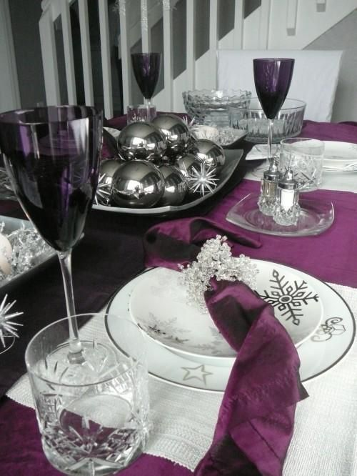 Purple Christmas Tablescapes Entertaining Christmas Table Decorations Holiday Centerpieces Christmas Table Settings
