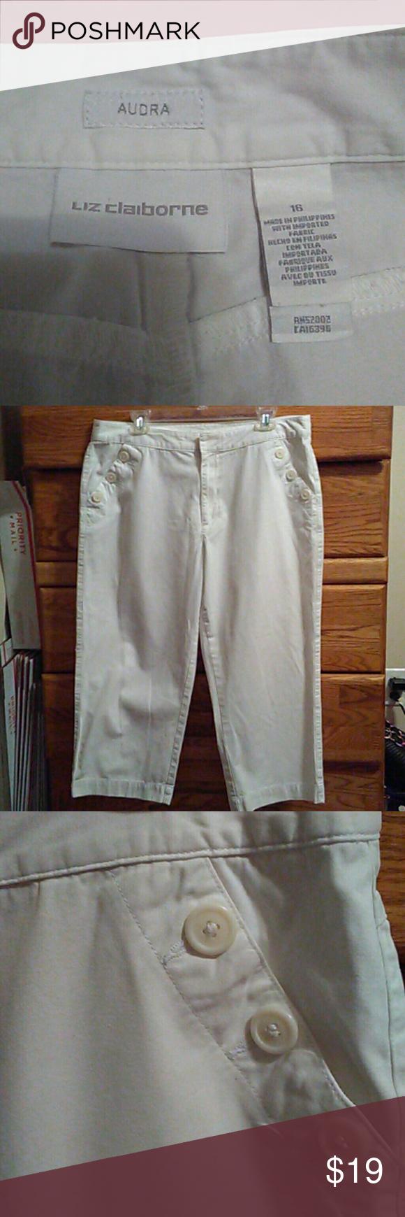 Liz Claiborne Capri Size 16/ snow white 100% cotton. Very cute with button front pockets. Liz Claiborne Pants Capris
